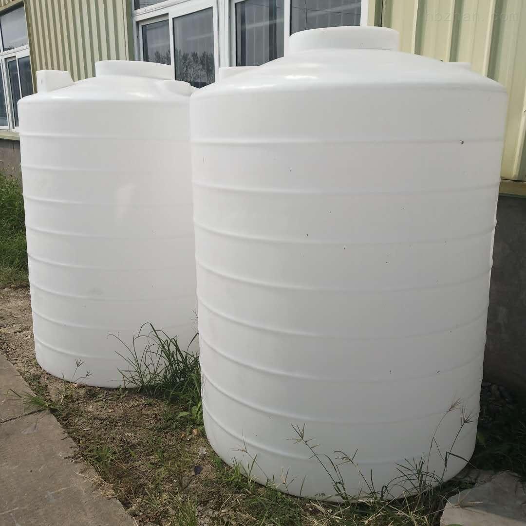 大理2噸塑料儲水箱 2立方液堿儲罐