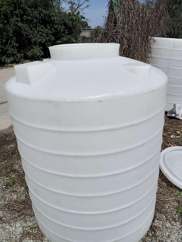 威海1.5立方PE水箱  混凝剂加药箱